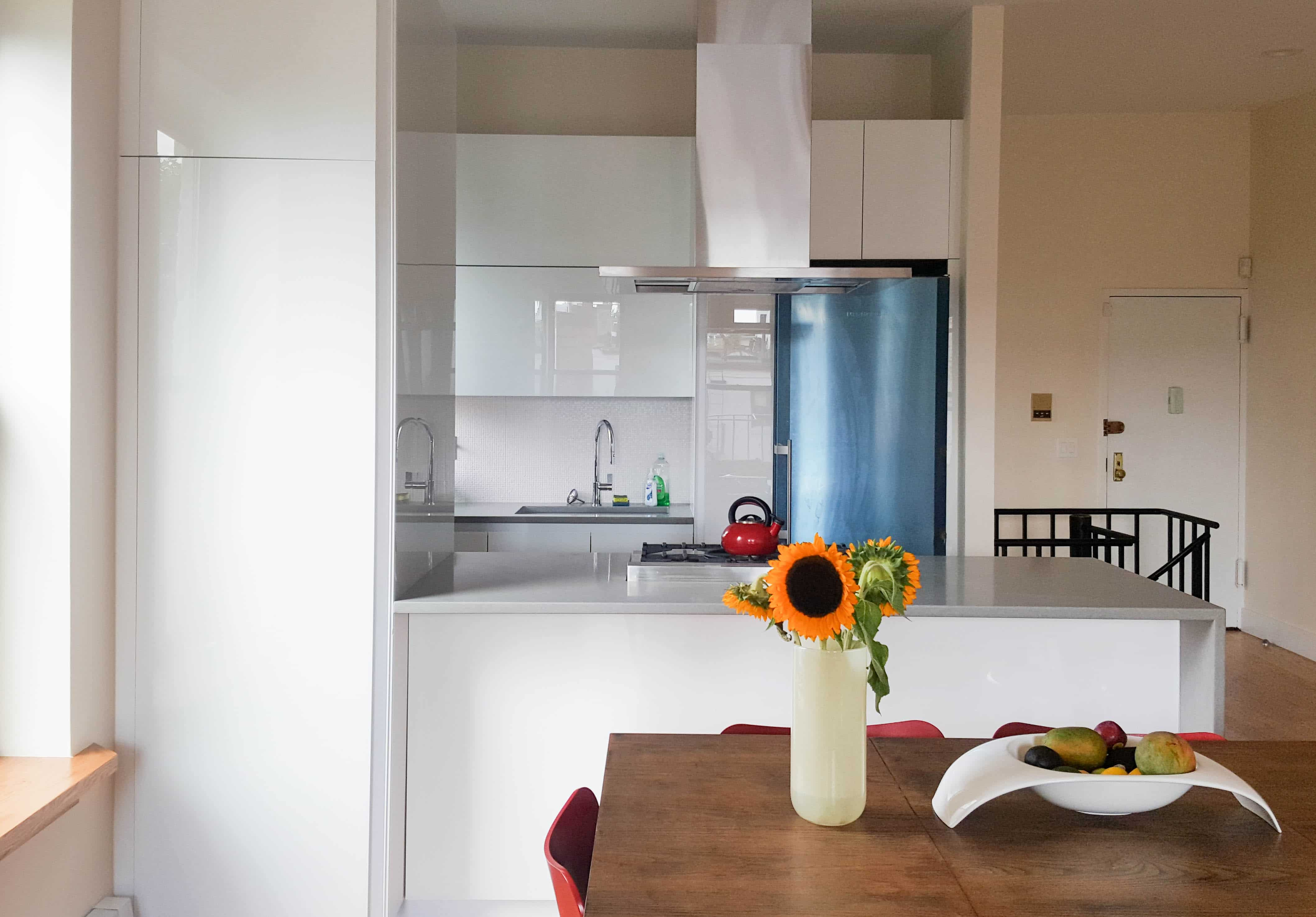 Glass Handle Less Modern Kitchen